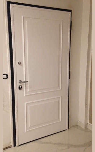 rivetimento interno con pannello bugnato stessa lavorazione proposta per porte interne